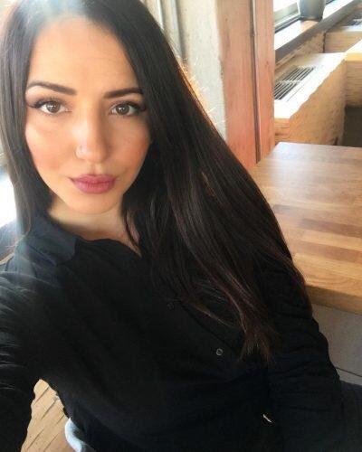Kurtköy Escort Kondomsuz Kalan Betül Sabiha Gökçen Karşısında